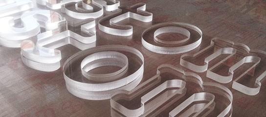 Litere volumetrice Plexiglas Transparent